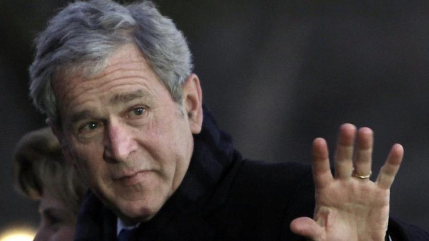 """Bush califica el asalto como algo propio de una """"república bananera"""""""