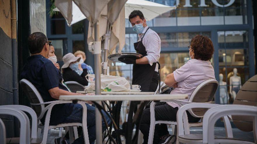 """La hostelería ve el retraso del cierre nocturno como un """"primer paso"""" a la solución que se necesita"""