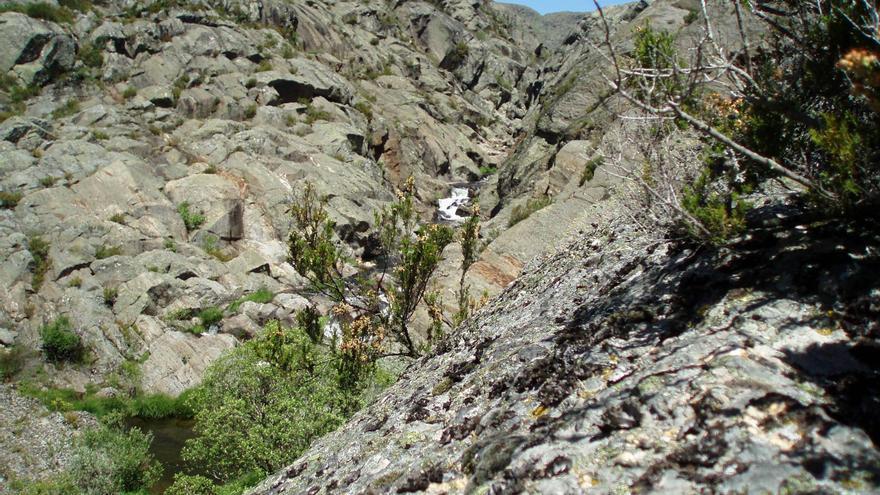 Rescatados ilesos dos montañeros en el cañón del Tera