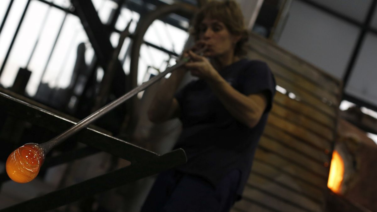 The technique of blown glass, Intangible Cultural Heritage.