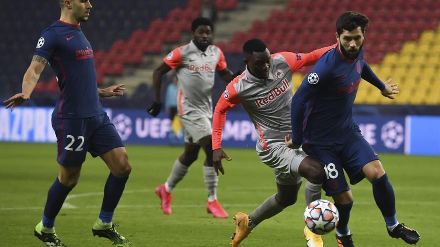 El Atlético sufre en Salzburgo pero estará en los octavos