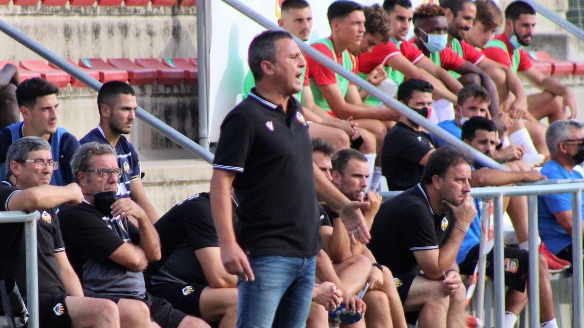Sergi Escobar, entrenador del Castellón: «Somos uno más del gran paquete de candidatos»