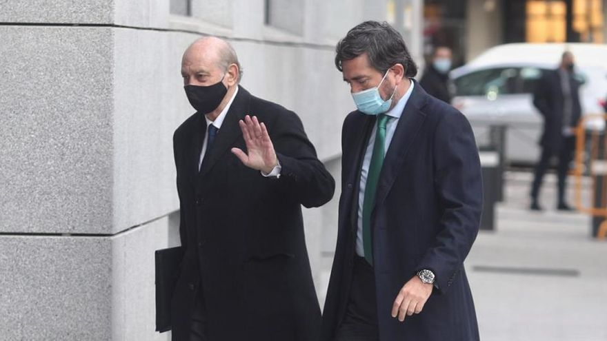 Fernández Díaz mantiene que el notario conocía el secreto de la operación Kitchen