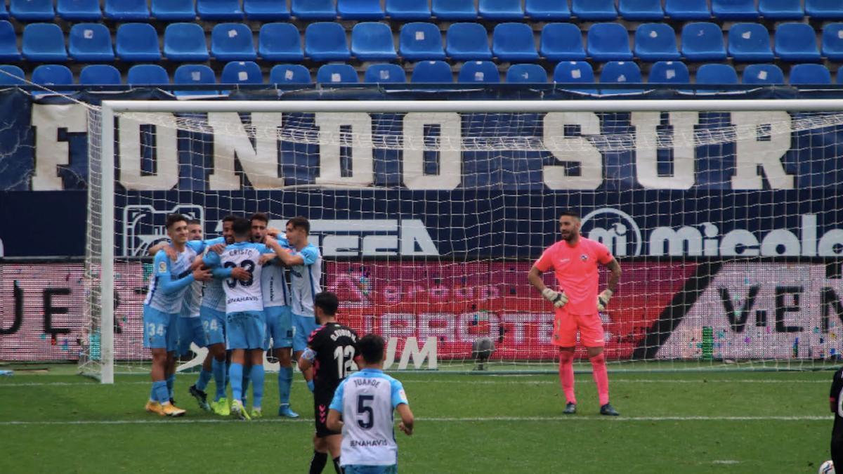 Muñoz anotó de penalti al filo del pitido final
