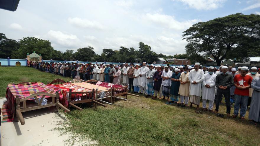 Al menos 22 muertos en el vuelco de un barco de pasajeros en Bangladesh