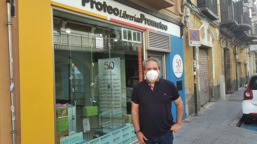 Proteo reabrirá este jueves en un local provisional frente a la librería incendiada