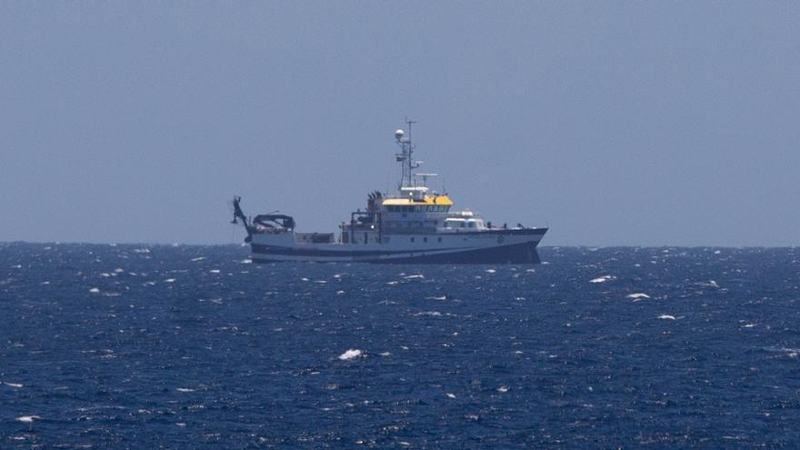 Comienza en Tenerife la búsqueda bajo el mar de las dos niñas y de su padre desaparecidos hace cinco semanas
