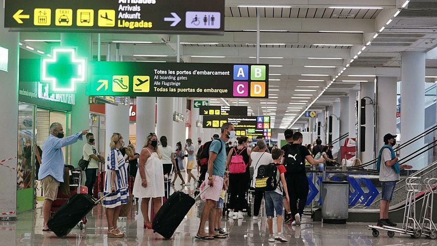 El aeropuerto cierra agosto entre los diez europeos con más tráfico