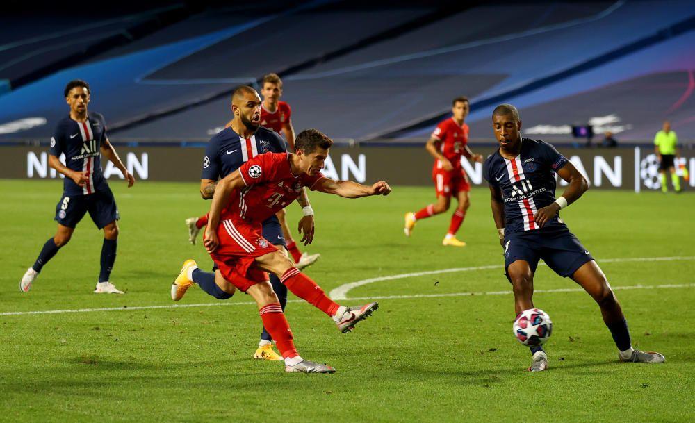 UEFA Champions League - Paris Saint-Germain vs ...