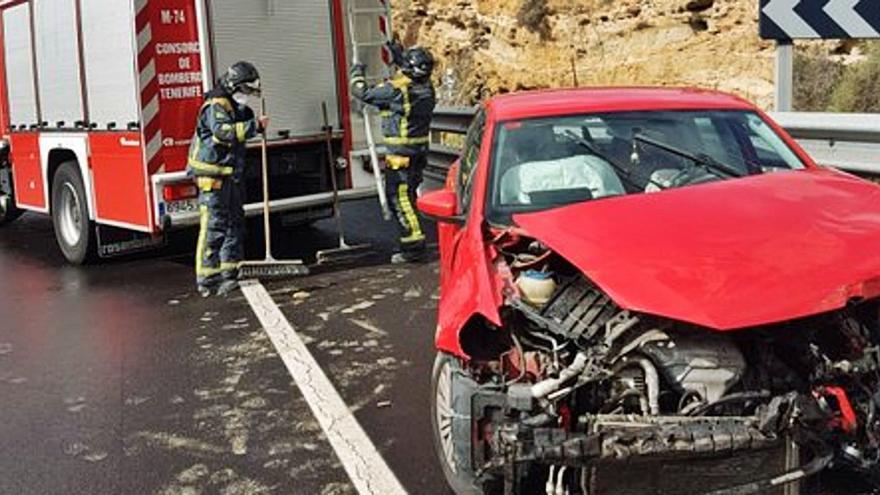 Dos heridos en sendos accidentes de tráfico en Candelaria y Santa Cruz