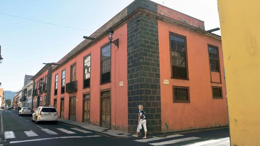 La Laguna insta a retirar el cableado de las fachadas del casco histórico