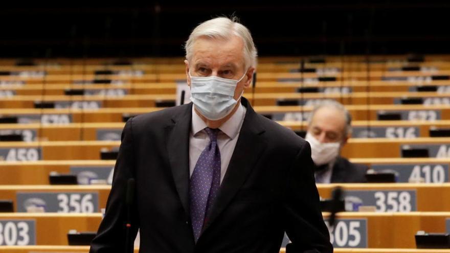 """Barnier avisa de que apenas quedan """"algunas horas"""" para el pacto tras el Brexit"""