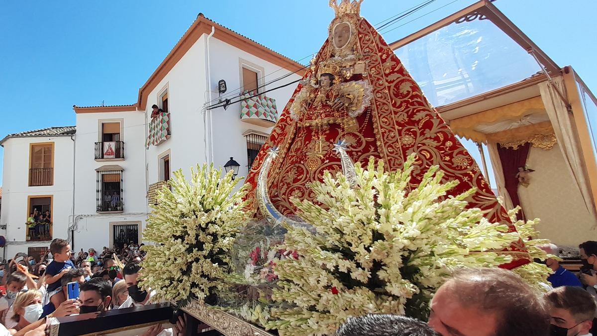 La Virgen de la Sierra en su 'Bajá' a Cabra.