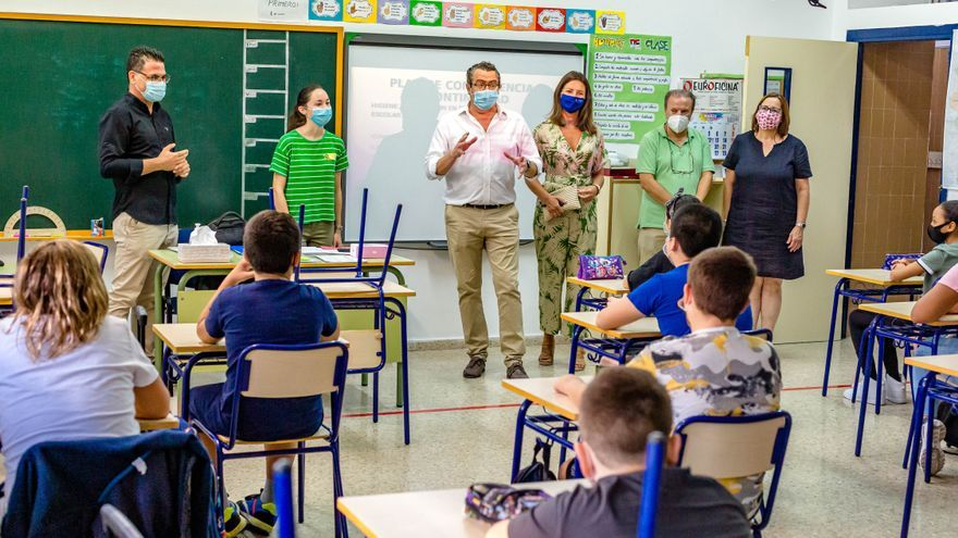 Sanidad realiza pruebas PCR a escolares en Elche, Ibi y Alcoy para saber cuántos han pasado el covid
