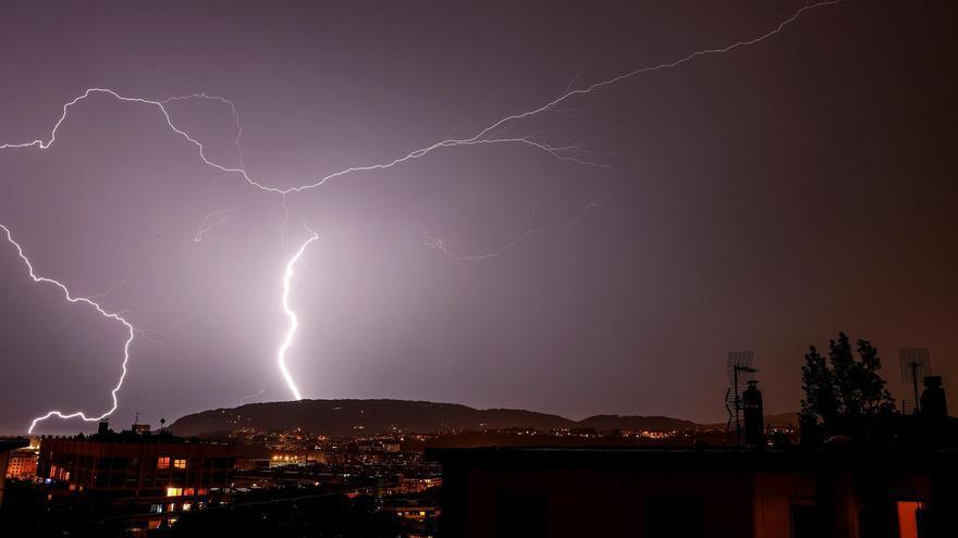 Casi toda Extremadura estará este miércoles en alerta amarilla por tormentas