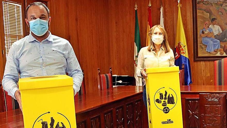 Moya recibe puntos de reciclaje en todas las dependencias municipales