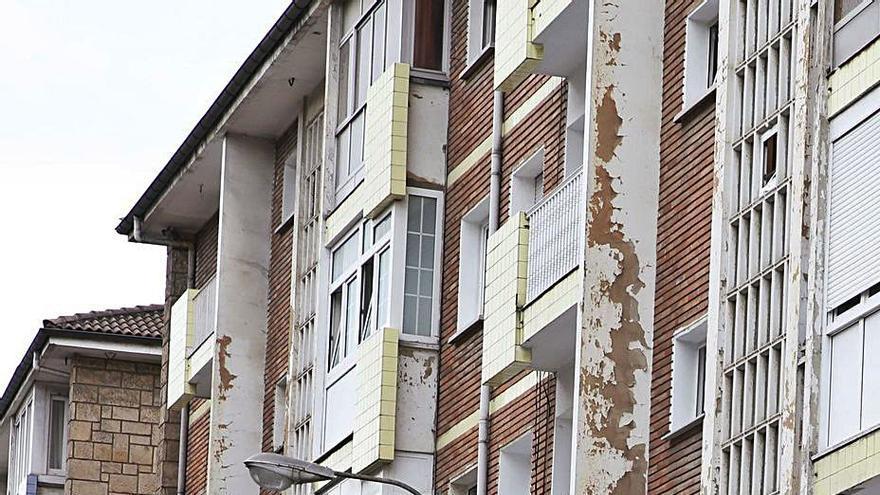 El plan de barrios degradados, paralizado por los altos precios del material de obra