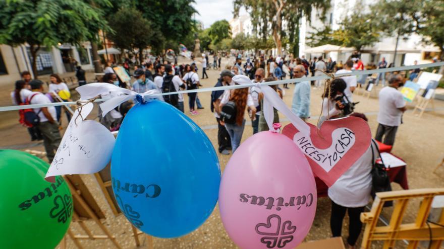 Concentración en Vara de Rey para reclamar más recursos para las personas sin hogar en Ibiza