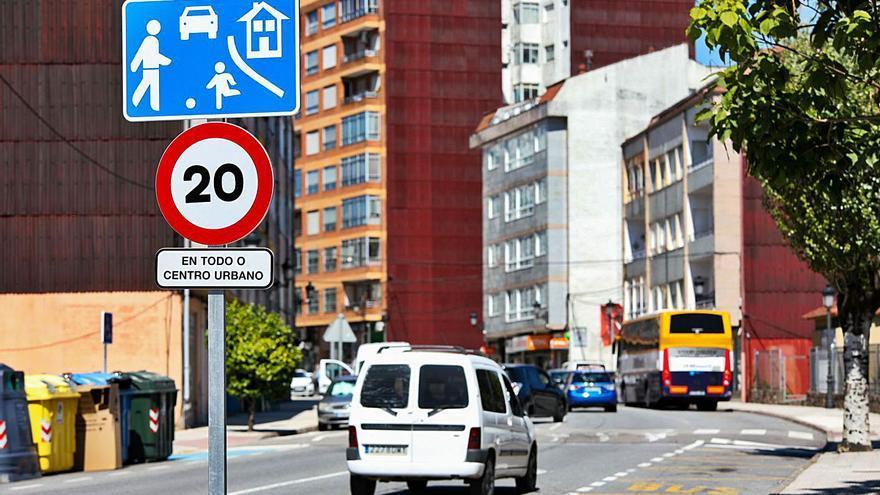 Un radar multará a los vehículos que superen los 20 km/h en el centro de Ponteareas