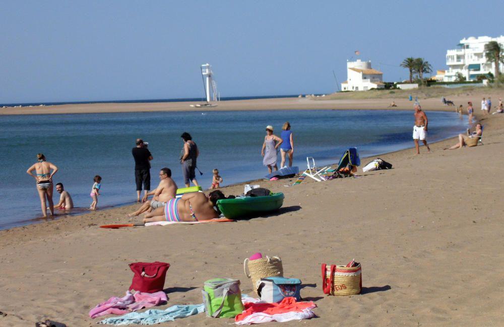 Molins, en Dénia, con bandera azul. Las playas de Les Bovetes, Les Marines y Marineta Cassiana, en la misma localidad, también tienen el distintivo.