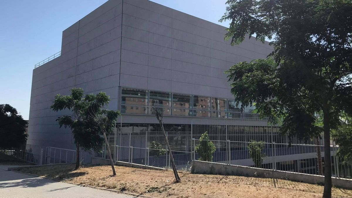 El Archivo General de Extremadura está ubicado en la avenida de El Prado.