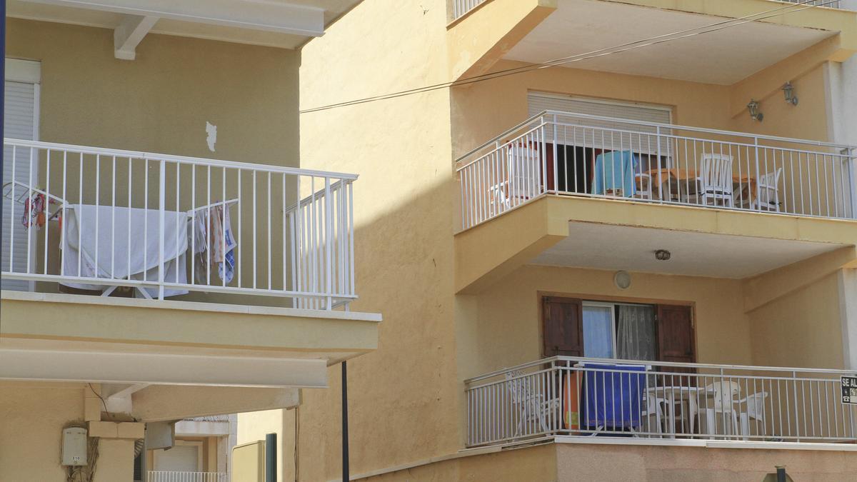 Ropa tendida en los balcones