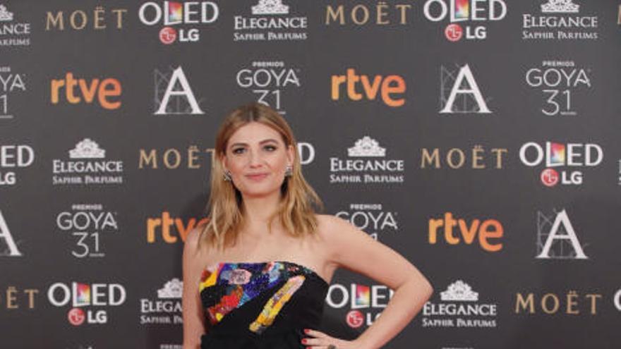 El blanco se impone en la alfombra roja de los Premios Goya 2017