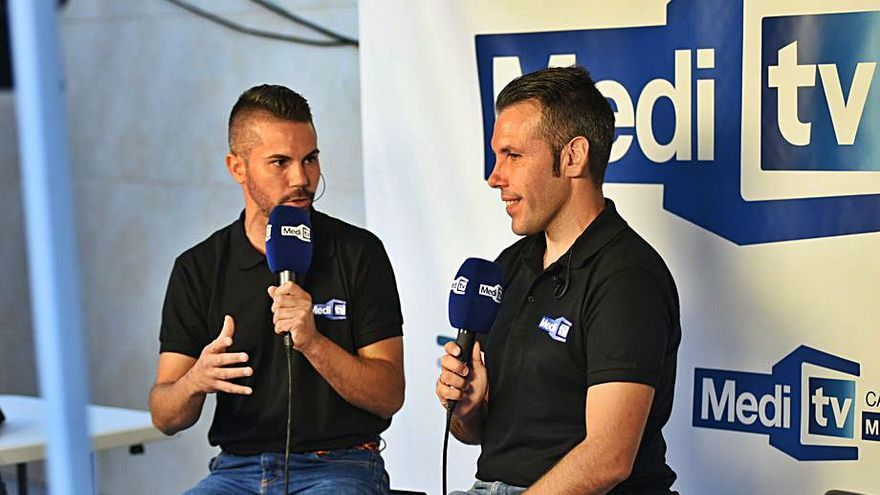 Medi TV ofrece en directo los   'bous al carrer' de les Alqueries
