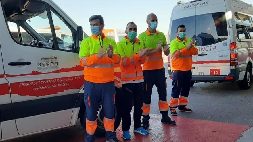 """La vida desde la ambulancia: """"El apoyo de la sociedad al sector sanitario nos ayudó a superar momentos muy duros"""""""