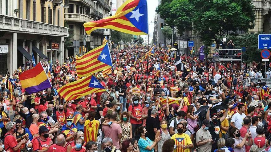 L'independentisme surt al carrer en una protesta marcada per la divisió