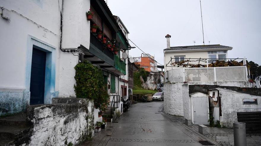 El Concello suspende licencias en el litoral de As Xubias para cambiar el plan general