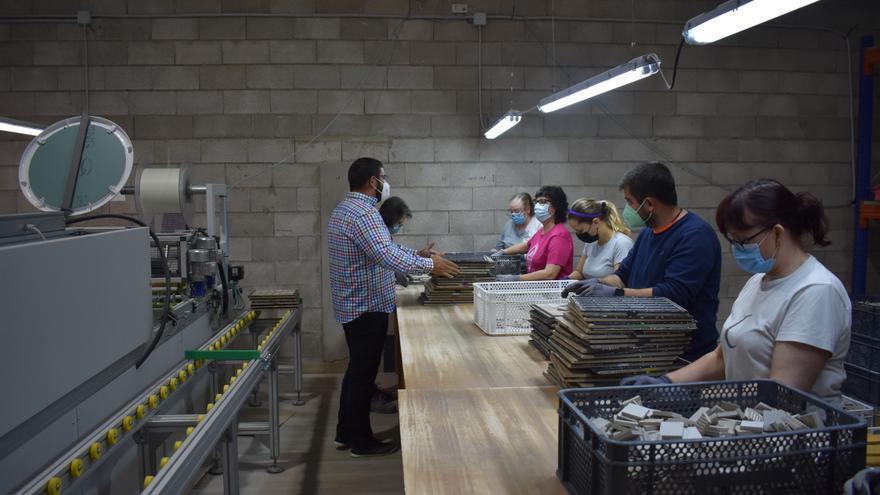 La Todolella y Pamesa duplicarán la plantilla de la fábrica de 'trencadís'