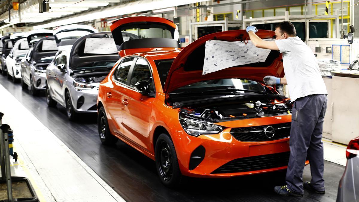 La fábrica de coches de Stellantis en Figueruelas se está viendo afectada por la escasez de microprocesadores.