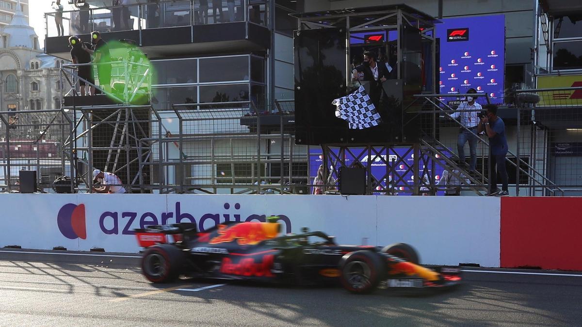 Sergio & # 039; Checo & # 039;  Pérez wins the Azerbaijan Grand Prix.