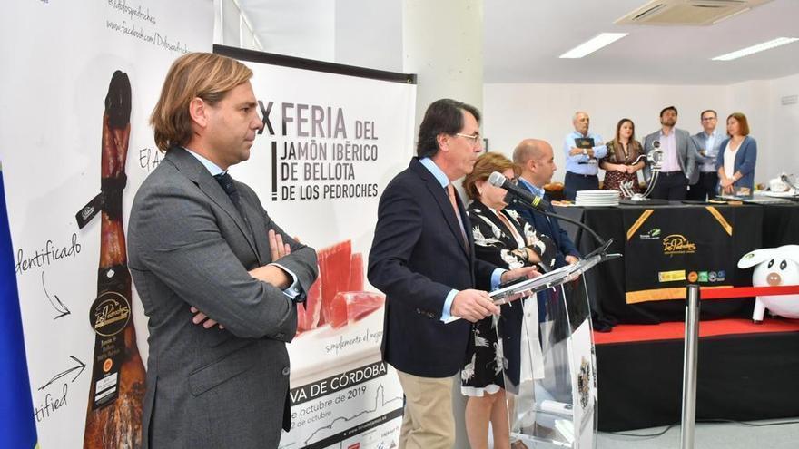 Repullo dice en la Feria del Jamón que la Junta apoyará campañas de promoción para fortalecer el sector cárnico
