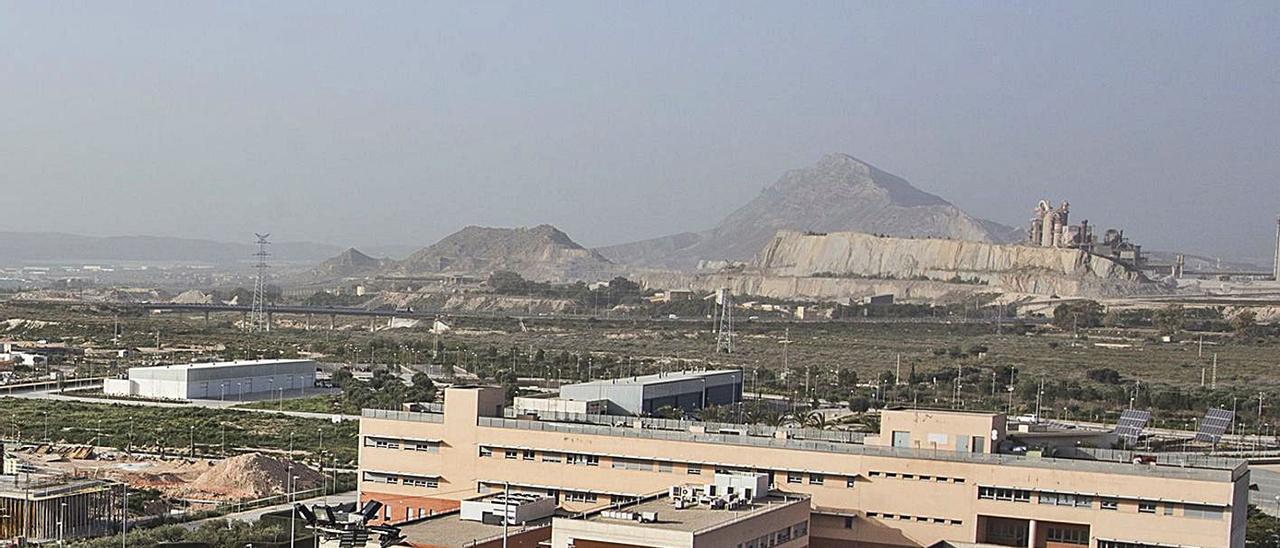 Vista panorámica de los accesos al parque científico de Alicante al lado de la Universidad.