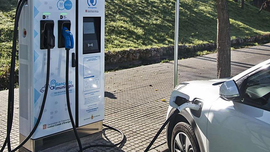 Esparreguera tindrà punts públics per poder carregar els cotxes elèctrics