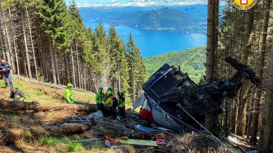 Tretze morts per la caiguda de la cabina d'un telefèric al nord d'Itàlia