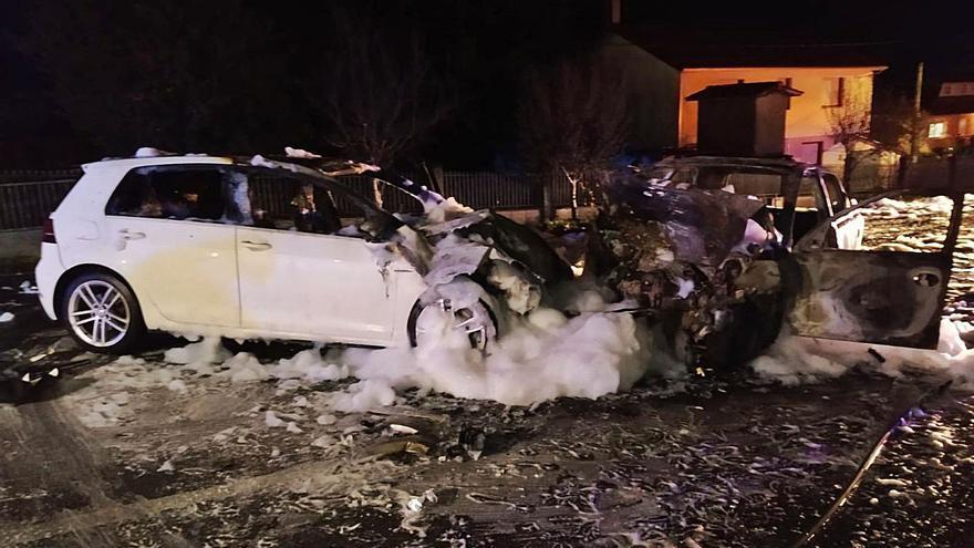 Un hombre de 38 años fallece y una joven de 20, herida grave en una colisión en Ordes