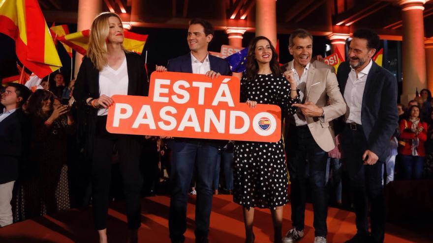 Ciudadanos intenta resistir para que la derecha sume «a la andaluza»