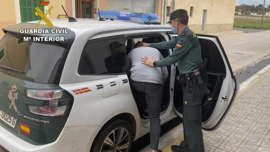 Detenidos cuatro jóvenes, uno menor, por una oleada de robos en Can Picafort