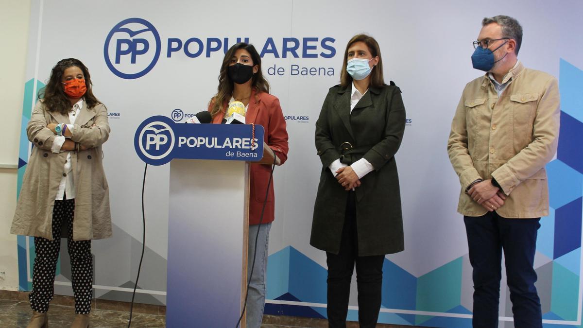 Lidia Pozo, Carmen Arcos, Cristina Piernagorda y Javier Vacas, durante la rueda de prensa en Baena.