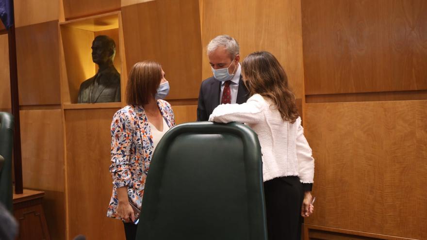 """La oposición critica a Azcón por su """"falta de transparencia"""""""