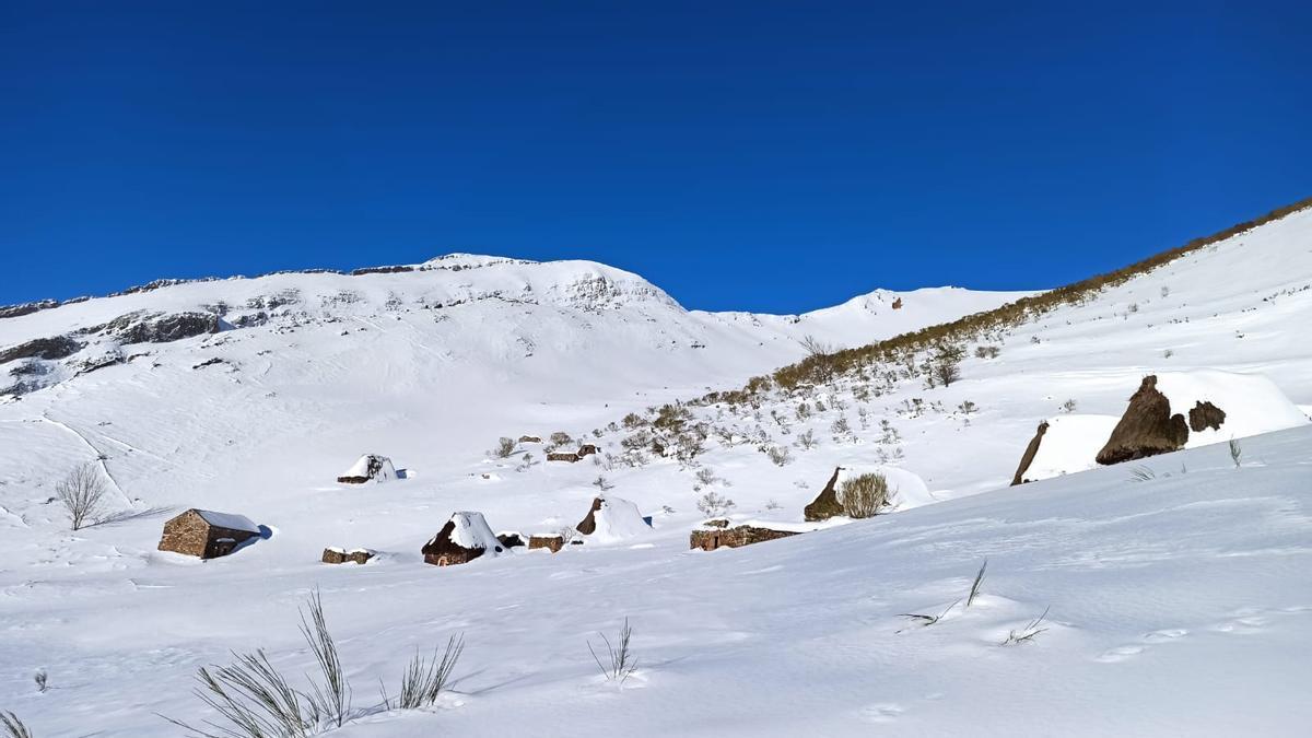 Las postales de Somiedo nevado.