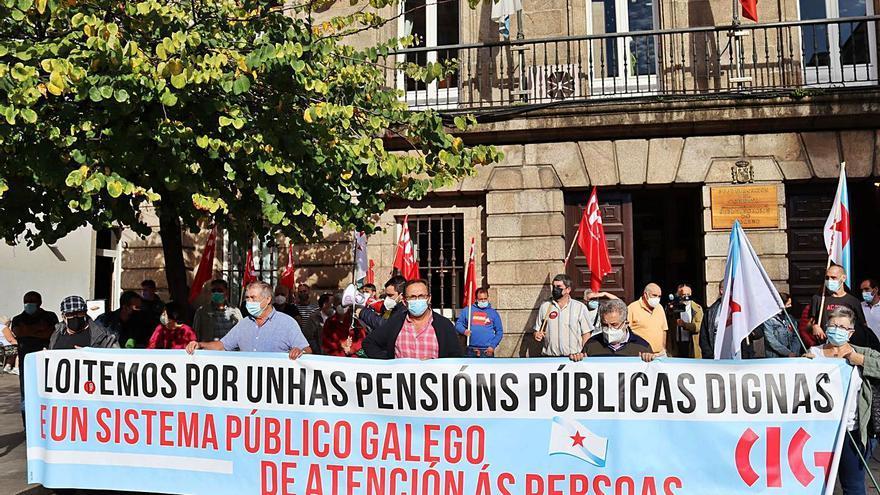 Los pensionistas coruñeses cobrarán unos 21 euros más al mes en 2022 por el alza del IPC