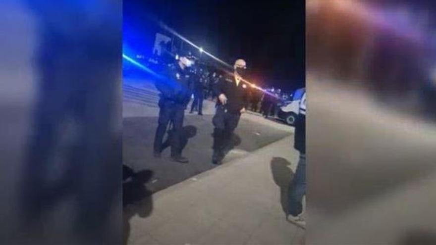 Una reyerta entre 50 migrantes termina con dos vigilantes heridos en Tenerife