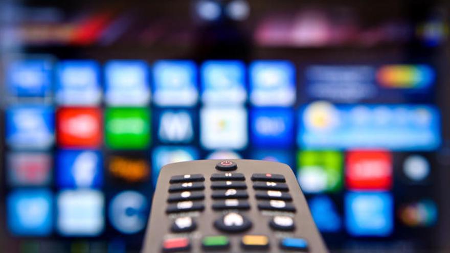 Los canarios pasan media hora menos frente a la tele que la semana pasada