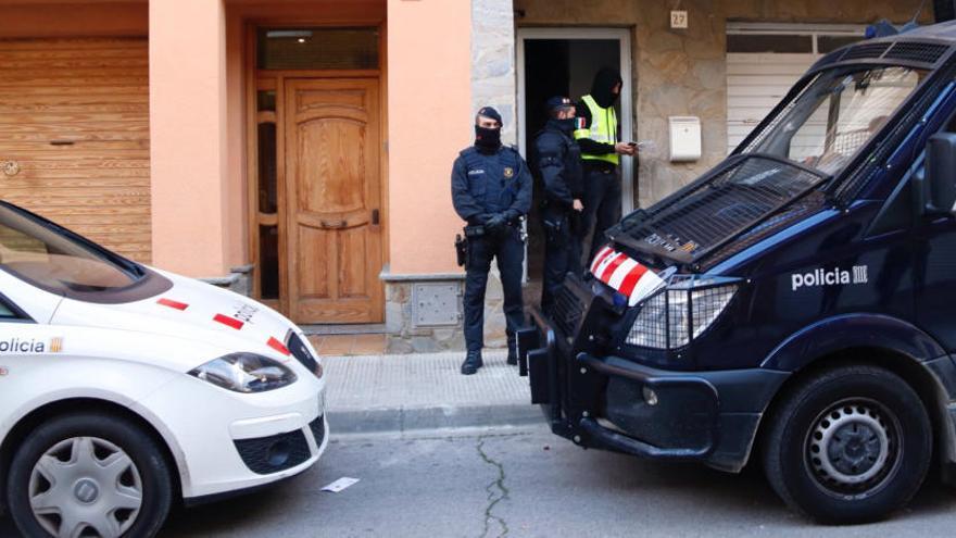 Dos detinguts a Roda de Ter acusats de gihadisme
