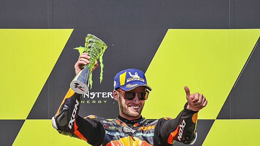 Brad Binder le da a KTM su primera victoria en seco