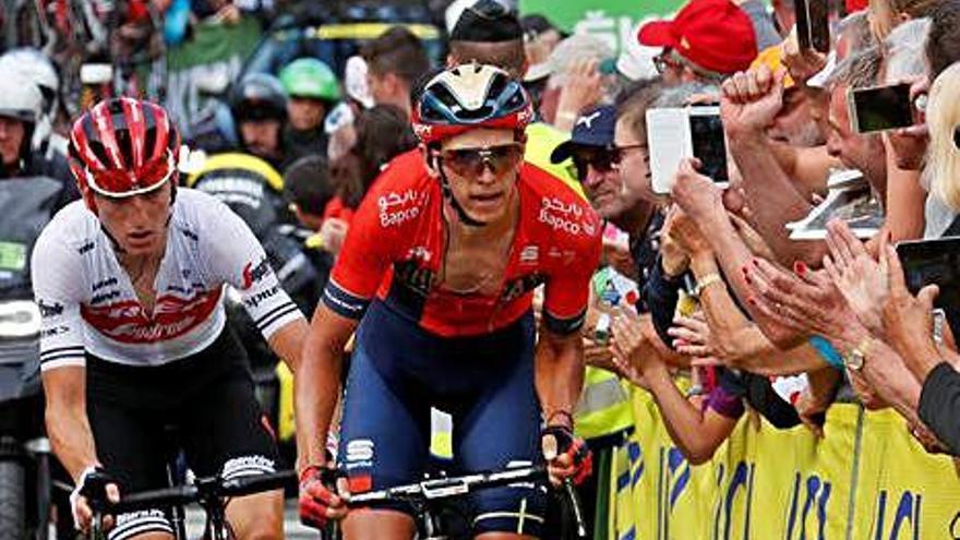 Teuns i Ciccone s'emporten l'etapa i el lideratge en el Tour